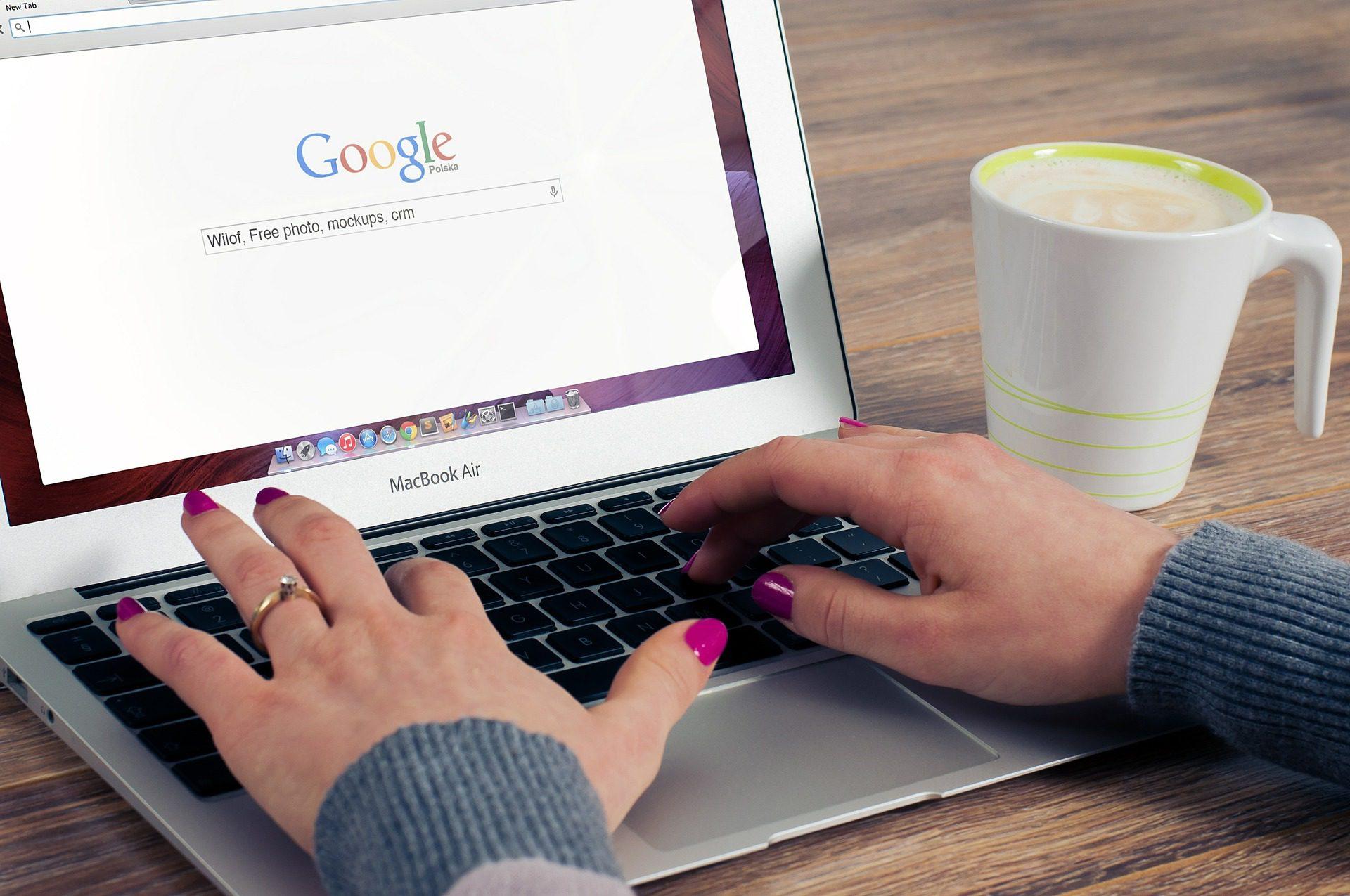 Google Search on MacBook